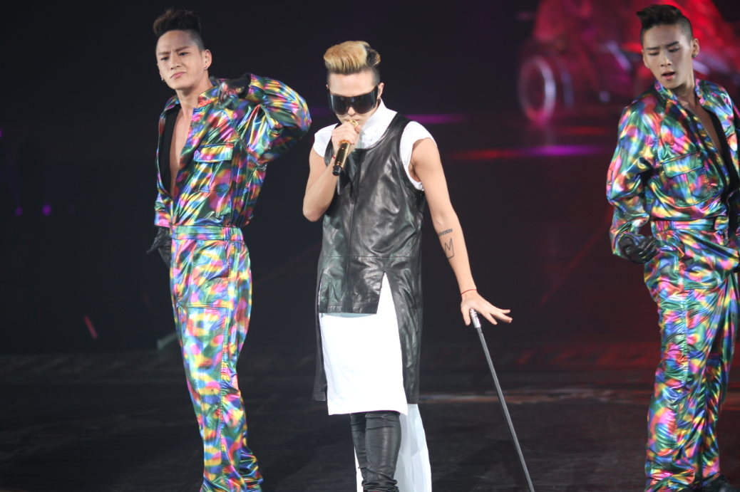 GDRAGON  GDRAGON 2013 WORLD TOUR ONE OF A KIND